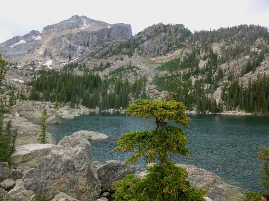 Lake Haiyaha and Hallett Peak