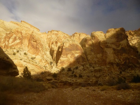 Sun seeps into Grand Wash, Capitol Reef National Park
