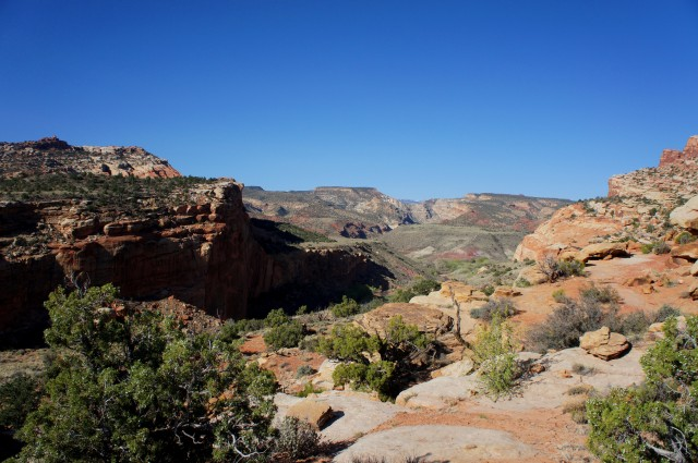 View east from the Hickman Bridge Trail, Capitol Reef National Park