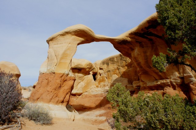 Metate Arch, Devil's Garden, Grand Staircase-Escalante National Monument