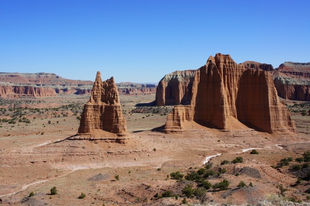 Needle Mountain (foreground, right) and a smaller pillar in Cathedral Valley