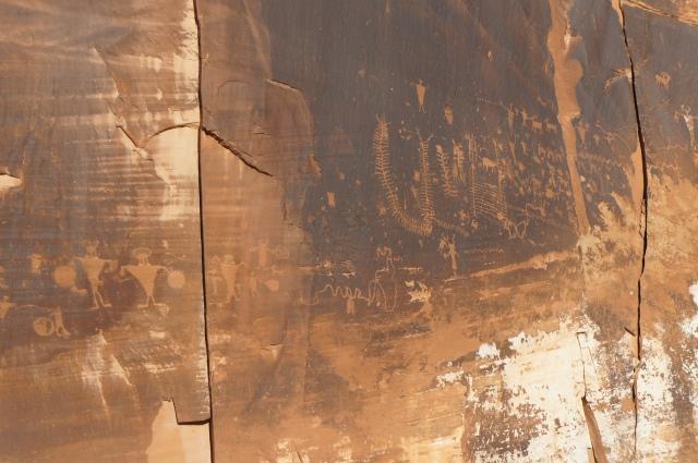 Fremont petroglyphs along Highway 279