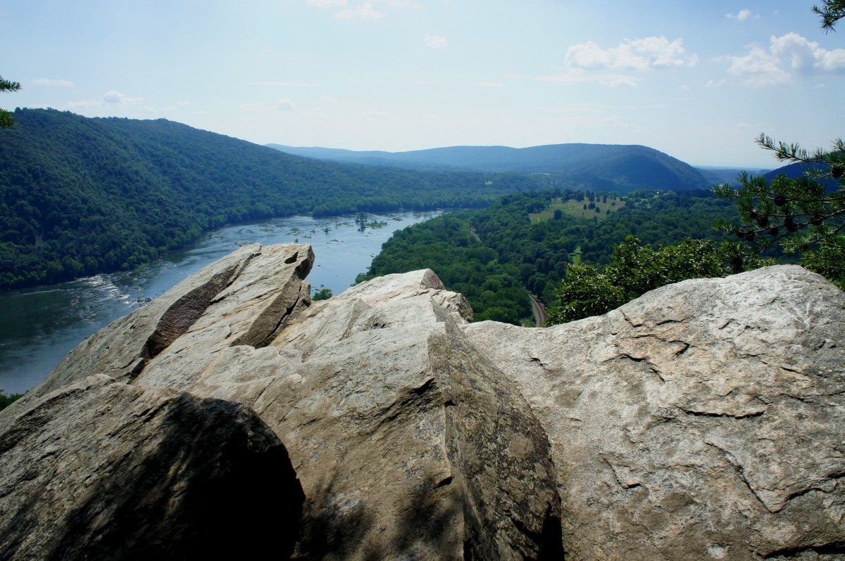 Appalachian Trail to Weverton Cliffs (South Mountain State Park, MD)