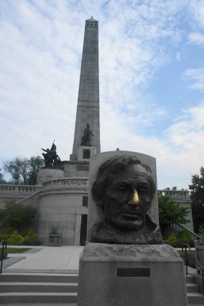Lincoln's Tomb in Oak Ridge Cemetery