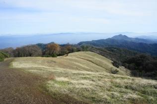 Gray Pine Trail descending a ridgeline from Bald Mountain
